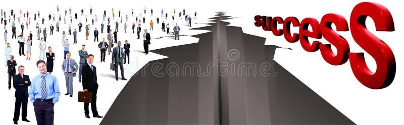 Gap tussen grote groep twee mensen stock afbeelding