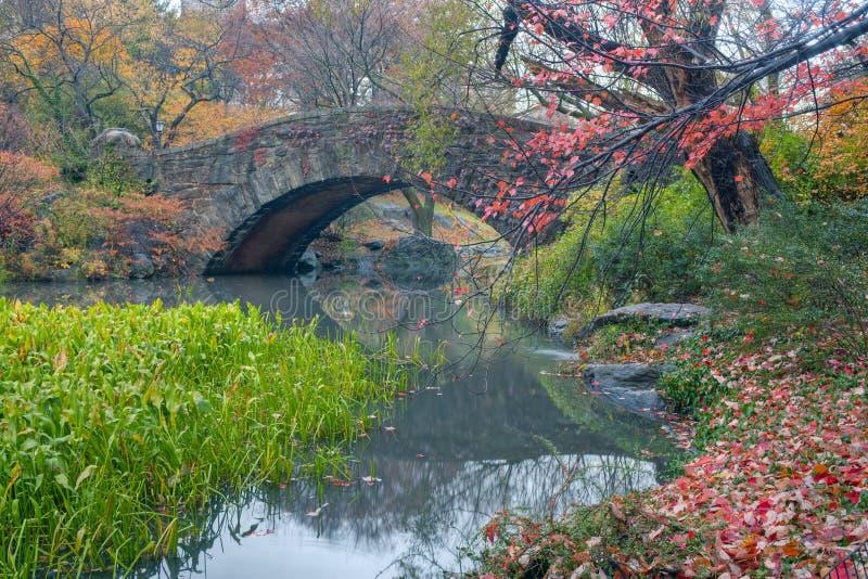 gapstow del ponticello di autunno fotografia stock libera da diritti