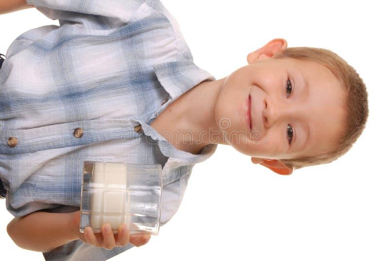 Garçon 5 de lait photographie stock libre de droits