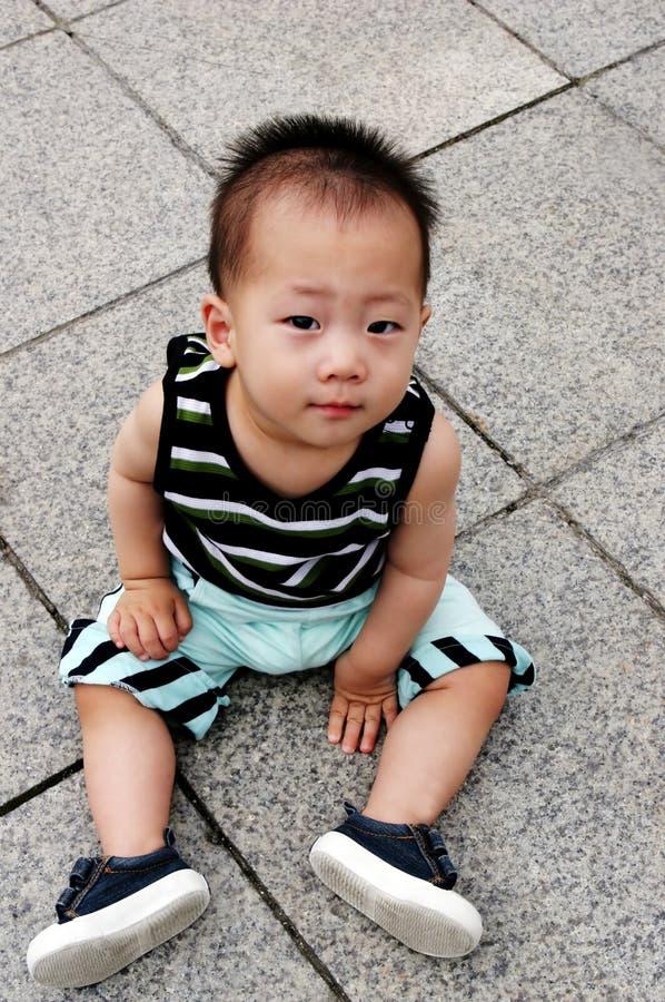 Garçon asiatique mignon photos libres de droits