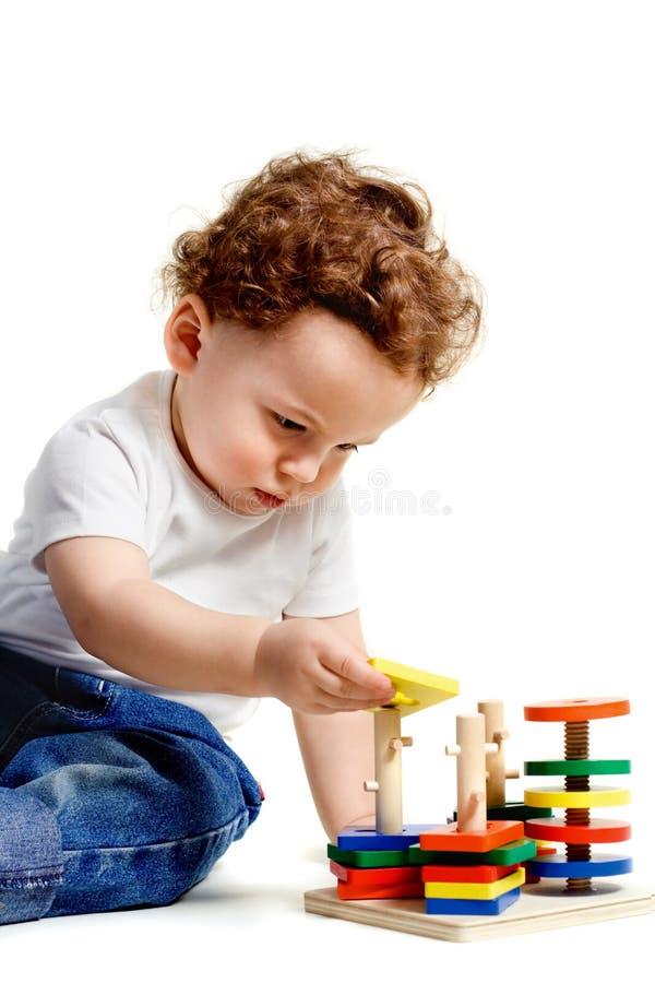 Garçon avec des jouets images libres de droits