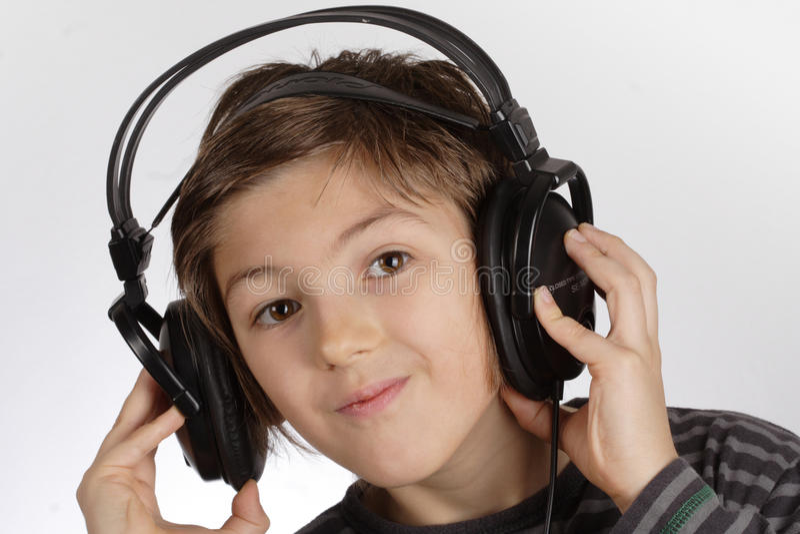 Garçon avec l'écouteur II images libres de droits