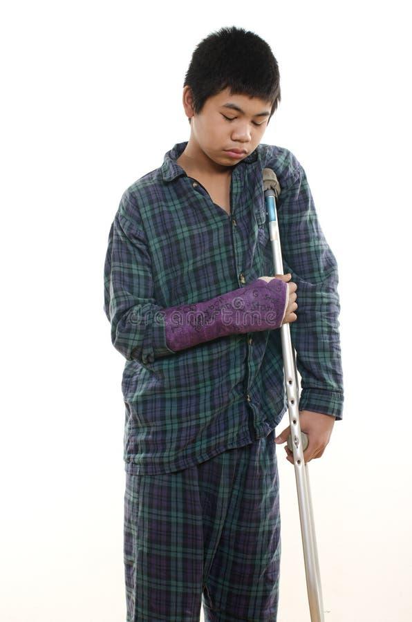 Garçon blessé image libre de droits