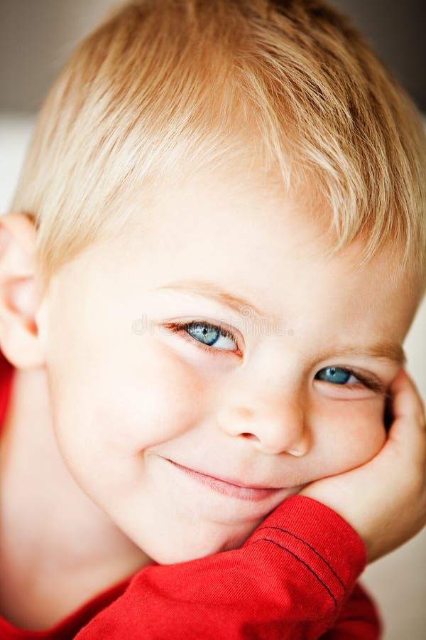 Garçon d'enfant en bas âge photo libre de droits