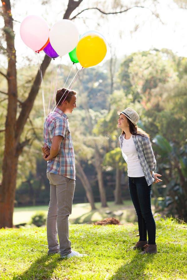 Garçon de l'adolescence romantique image libre de droits