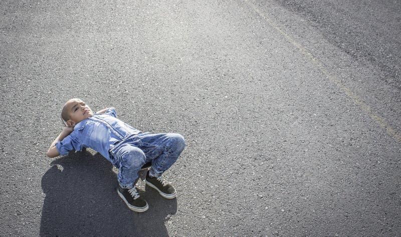 Garçon de patineur de vitesse photographie stock libre de droits