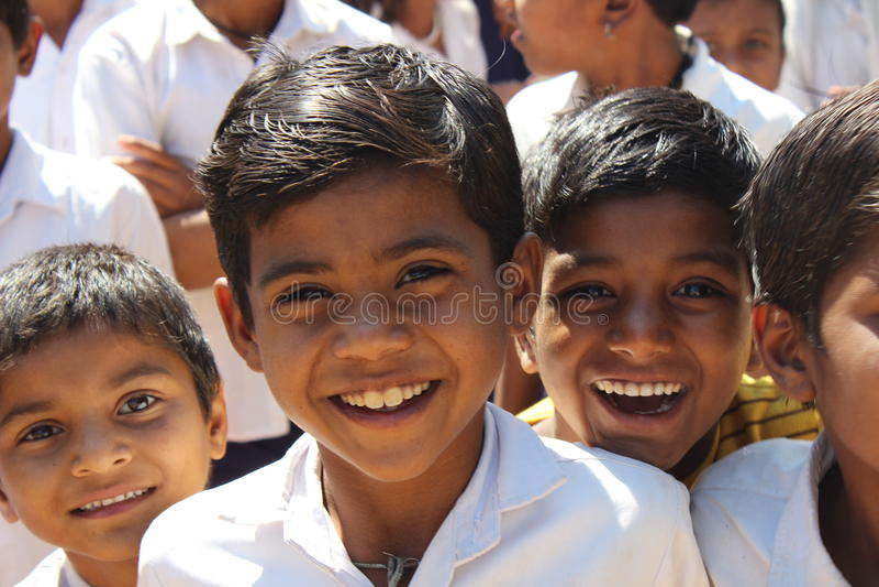 Garçon de sourire photographie stock