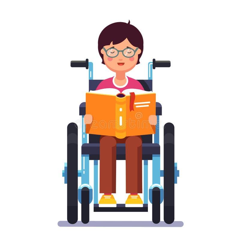 Garçon handicapé s'asseyant dans un fauteuil roulant et une lecture illustration stock