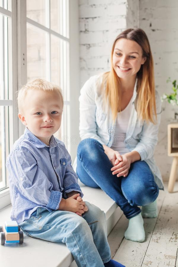 Garçon heureux d'enfant photo libre de droits