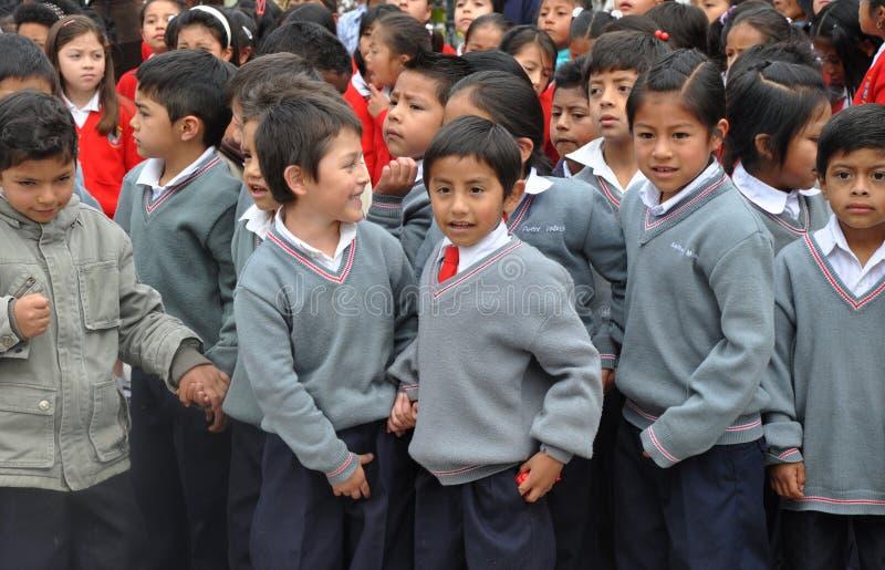 Garçons d'école d'Ecuadorian photos libres de droits