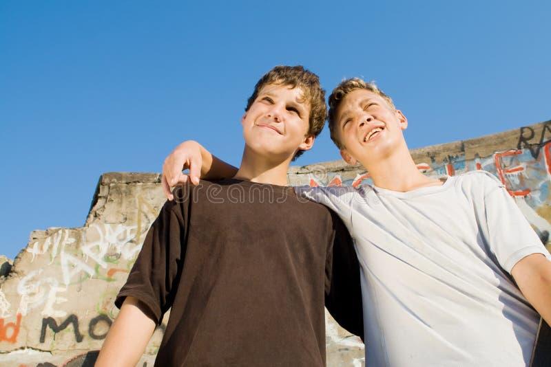 Garçons de l'adolescence photographie stock libre de droits