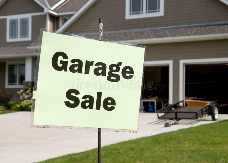 Garaż sprzedaży znak zdjęcia royalty free