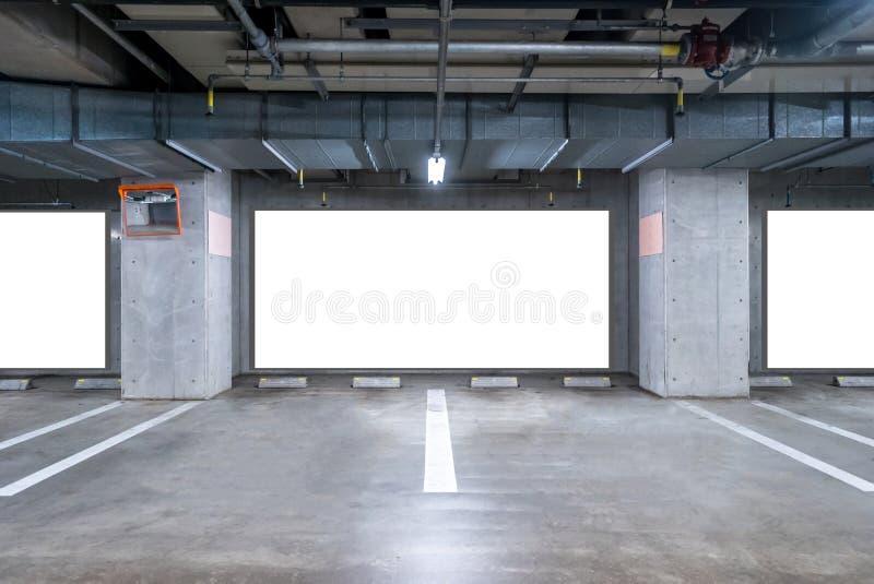 Garażu metro z pustym billboardem obrazy stock
