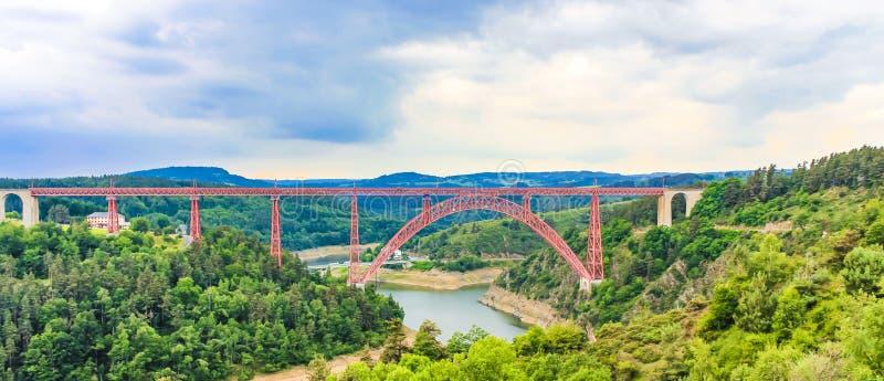 Garabit-Viadukt, Auvergne, Frankreich lizenzfreie stockfotografie