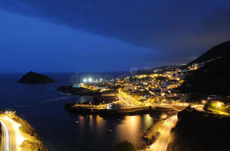 Garachico nachts, Tenerife lizenzfreies stockfoto