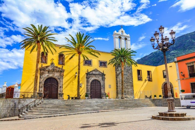 Garachico, Ténérife, Îles Canaries, Espagne : Monastère de San Francisco extérieur et place principale photo stock