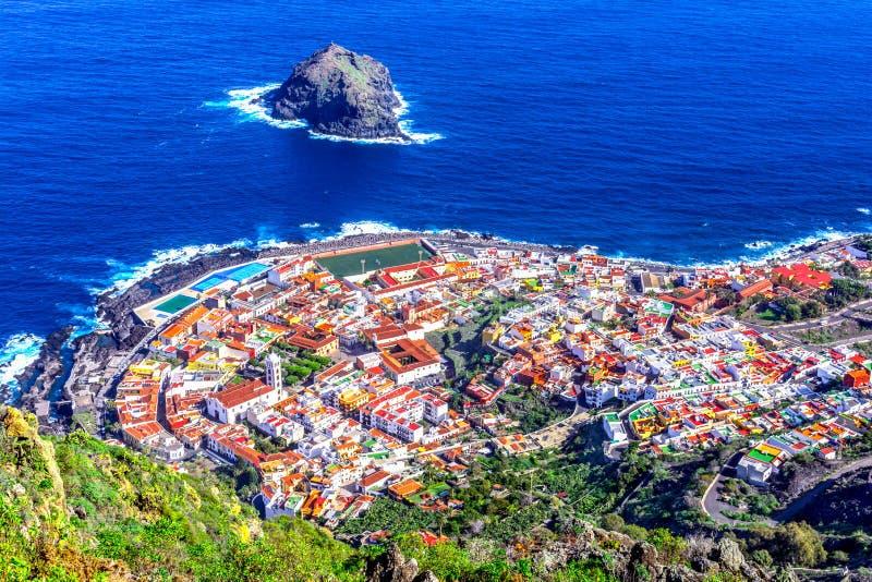 Garachico, Tenerife, Canarische Eilanden, Spanje: Overzicht van col. royalty-vrije stock afbeeldingen