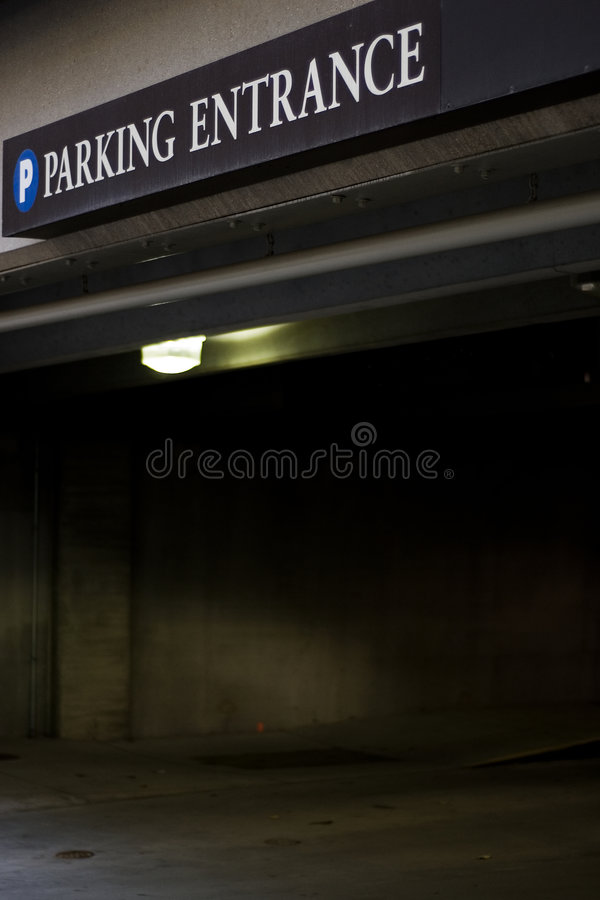 Garage de stationnement image stock