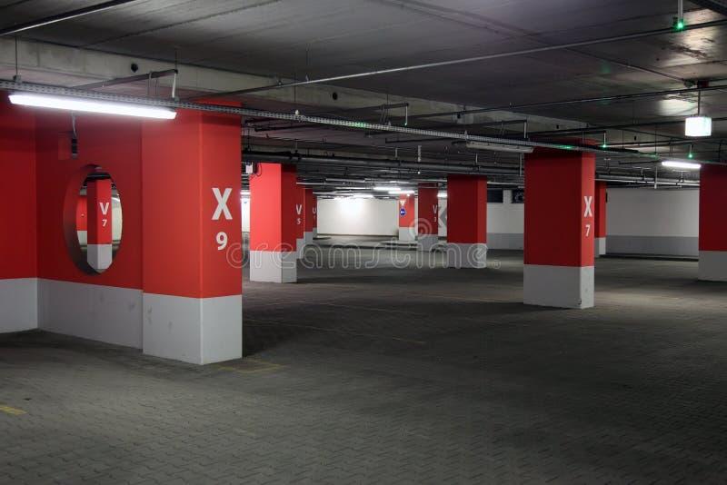 Garage de stationnement images libres de droits