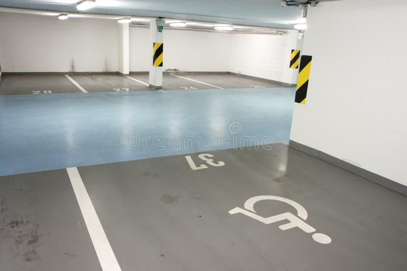 Garage de subterráneo para la persona lisiada foto de archivo libre de regalías