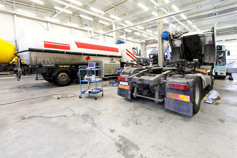 Garage del camion fotografie stock libere da diritti