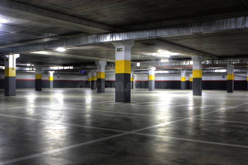 Garage di parcheggio fotografie stock