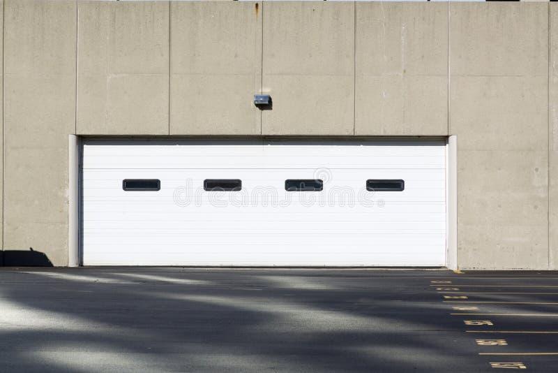 Garage moderne images stock