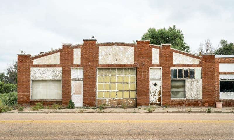 Garage ou atelier abandonné photos stock