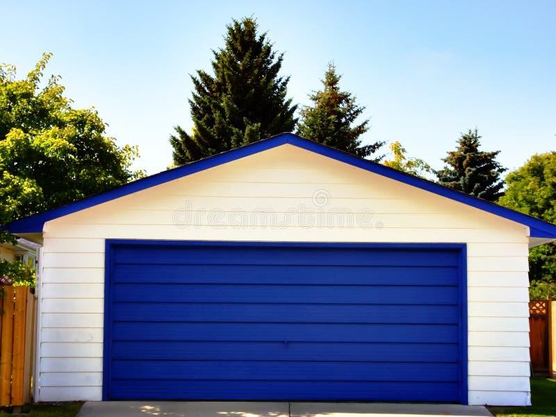 Garagedörr arkivbilder
