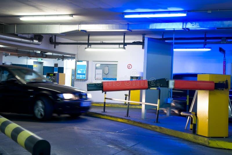 Garagem de estacionamento imagens de stock