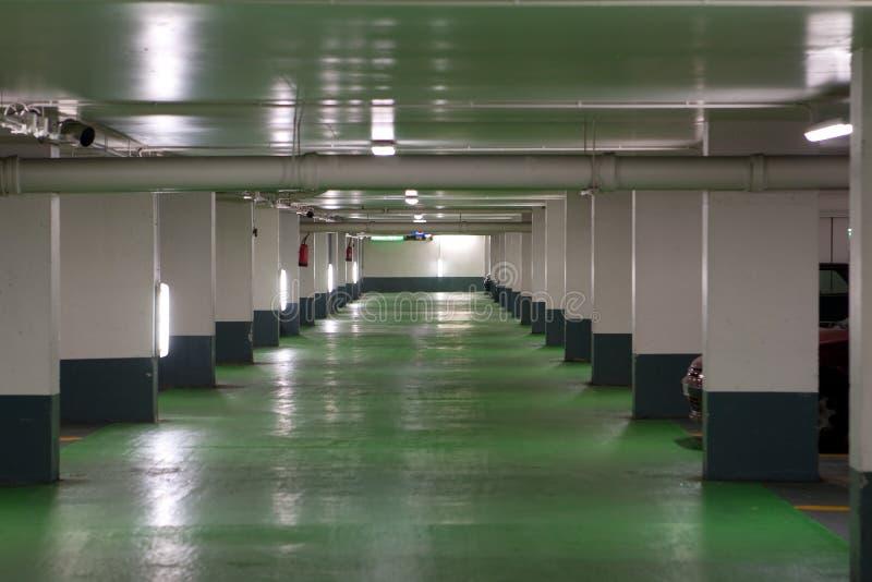 Garagem de estacionamento francesa fotografia de stock