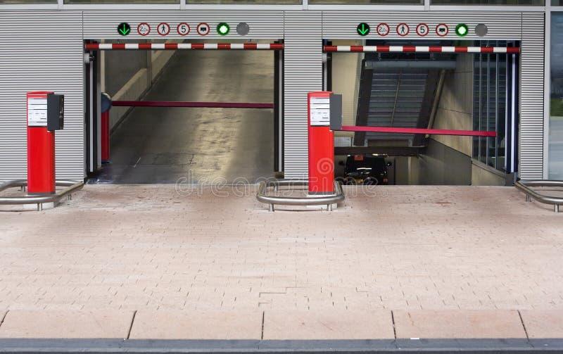 Garagem de estacionamento nova fotos de stock