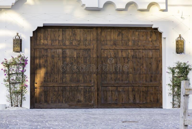 Garagem de madeira típica em Florida fotografia de stock