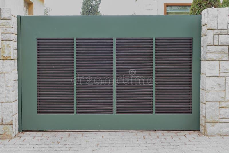 Garagentor, Athen Griechenland stockfoto