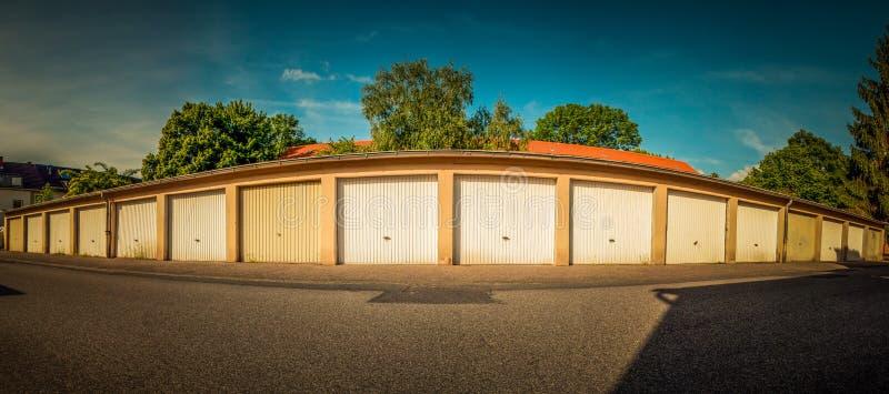 Garages photographie stock libre de droits