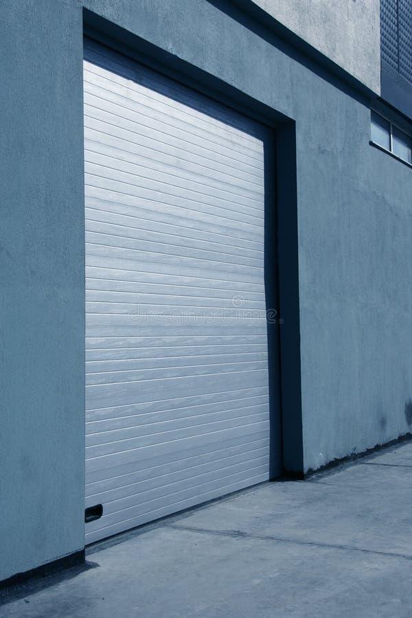 Garagetür lizenzfreie stockfotos