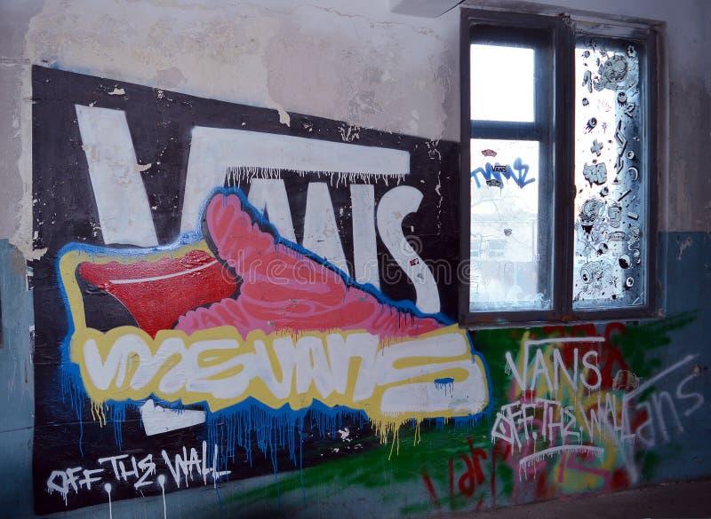Garajul Ciclop: Graffiti in Boekarest, Roemenië royalty-vrije stock foto's