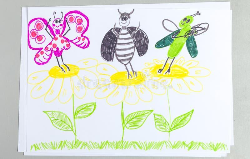 Garatuja da criança dos insetos que dançam e que têm o divertimento em flores foto de stock royalty free