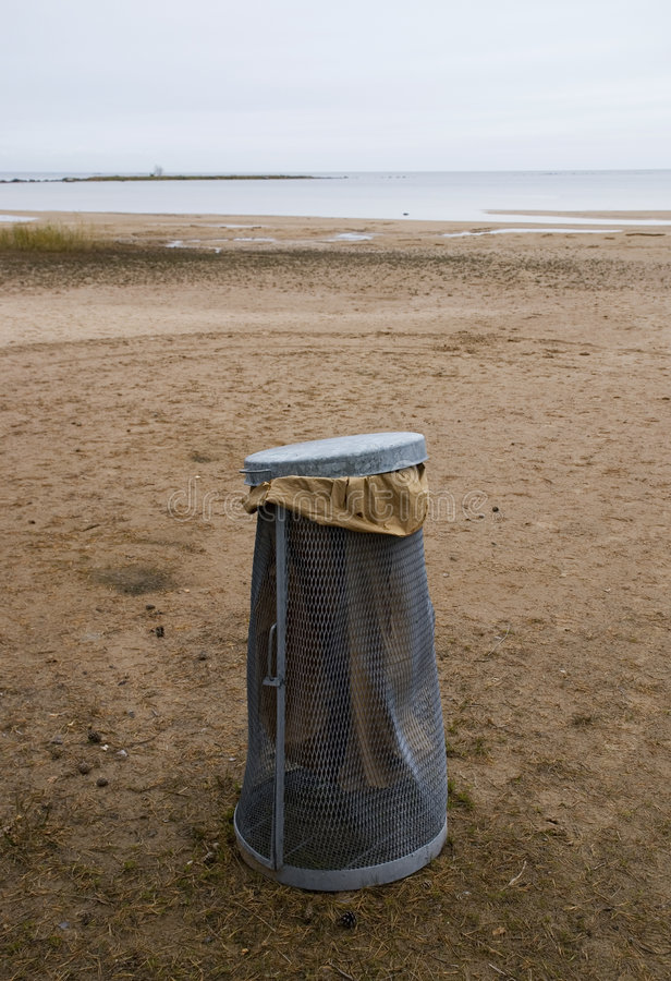 Free Garbage On The Beach Stock Image - 5257931