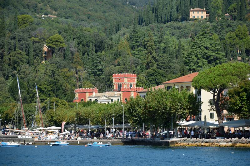 Garda en el lago Garda - Italia imagenes de archivo