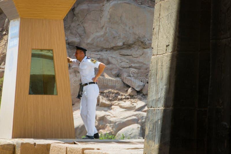 Garde de sécurité des temples du dossier sur l'îlot d'Agilkia Avril 2019 images libres de droits