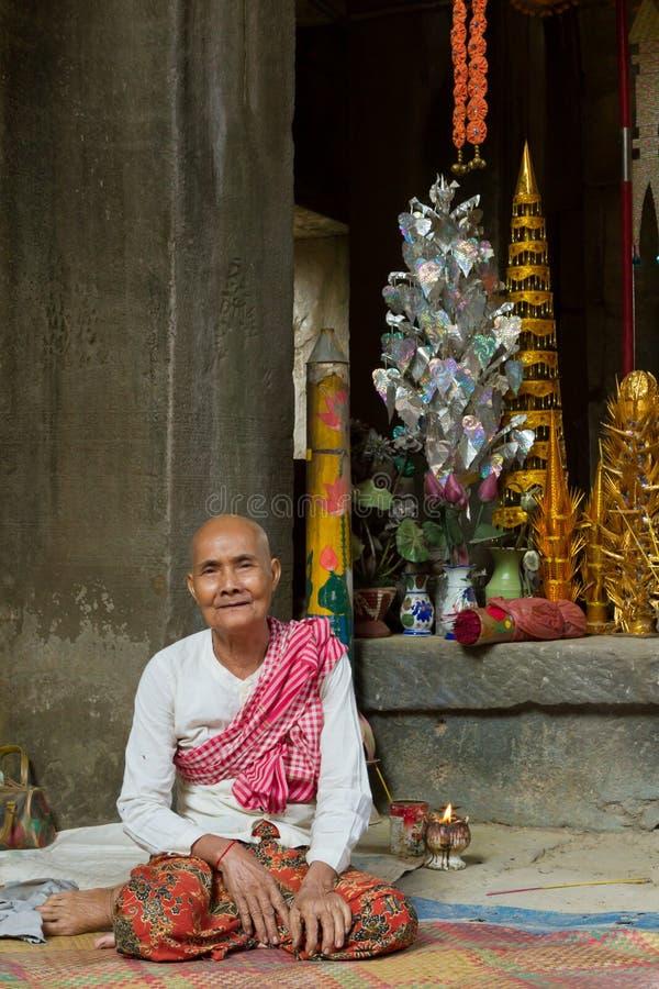 Garde de temple au temple de Ta Phrom image libre de droits