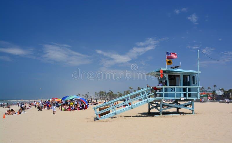Garde de vie Hut à la plage de Venise un beau jour d'été. images libres de droits