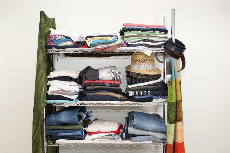 Garde-robe d'armoire de vêtements photo libre de droits