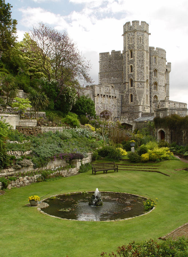 Free Garden In The Windsor Castle. Edward Tower Stock Photos - 11321143