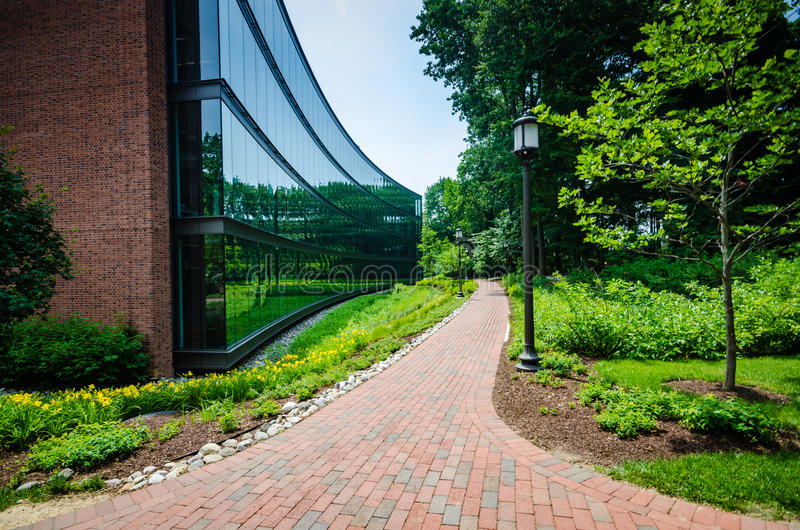 Garden Path - Johns Hopkins University - Baltimore, MD. Johns Hopkins University is an American private research university in Baltimore, Maryland. Founded in stock image