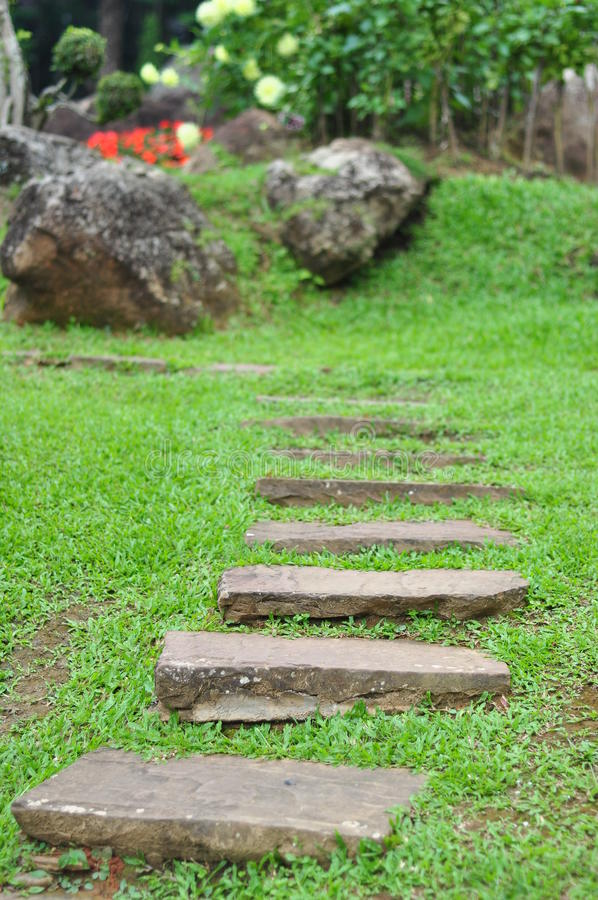 Download Garden Stone Path Royalty Free Stock Photography - Image: 21292637