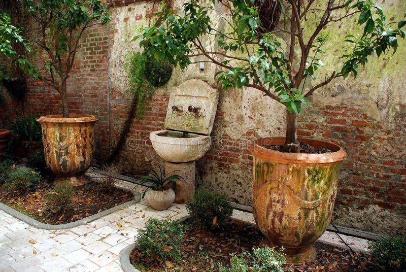 Garden_urns fotografia stock libera da diritti