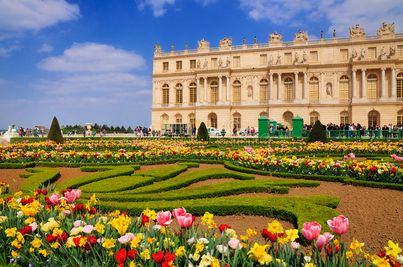 Download Garden of Versailles editorial stock photo. Image of statues - 20878393