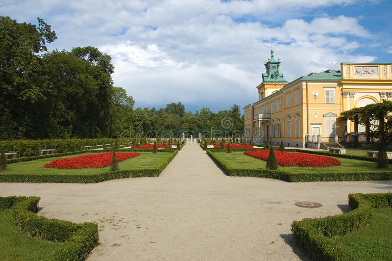 Download Garden in Wilanow, Warsaw stock image. Image of hedge - 25951605